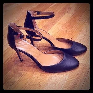 Banana Republic Caelyn Black Heels